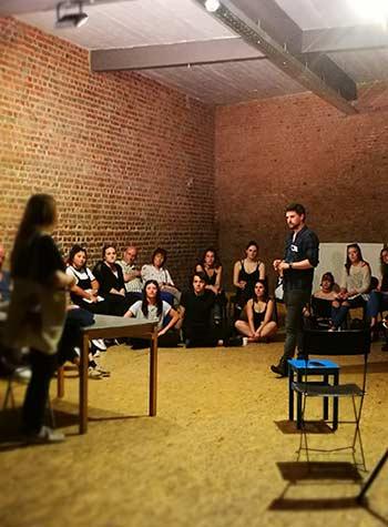 Inscrivez-vous en ligne à la Journée Portes Ouvertes de la formation d'Acteur du Cours Florent Bruxelles le 4 septembre à partir de 14h