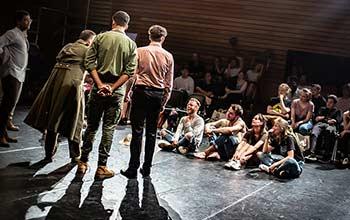 Le Cours Florent Acting in English est une formation de théâtre en anglais sur 3 ans
