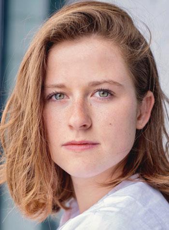 Découvrez le portrait de Megan Marx, élève de 3ème année au Cours Florent Bruxelles